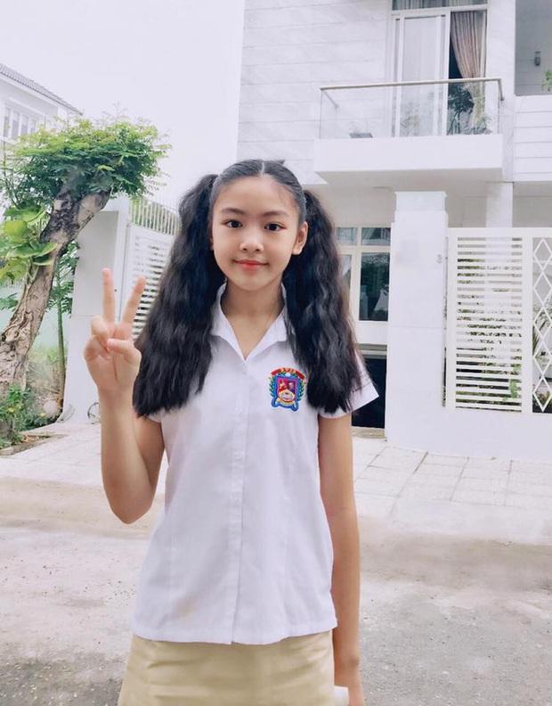 Lọ Lem nhà MC Quyền Linh thực sự có gen mỹ nhân, so ảnh đi học - đi chơi mà thấy làm gì cũng đẹp quá! - Ảnh 7.