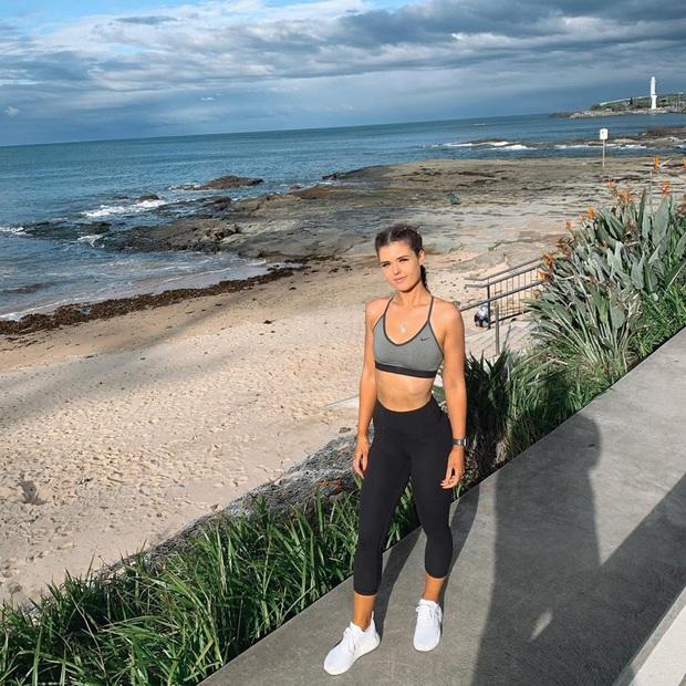 Cô gái người Úc khoe body hậu giảm cân đầy ngoạn mục trên TikTok: giảm 25kg mà không cần từ bỏ đồ ăn vặt - Ảnh 8.