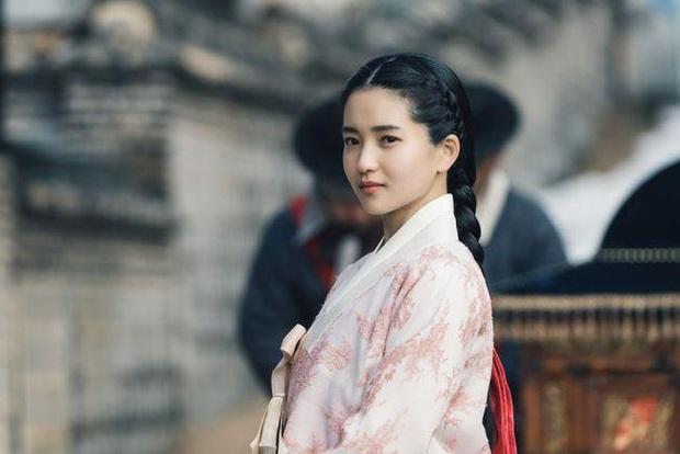 5 cô Kim đáng mặt cực phẩm chị đại của phim Hàn: Kim Da Mi thuần thục vai biến thái đố mà ngầu bằng lão làng Kim Hye Soo! - Ảnh 5.