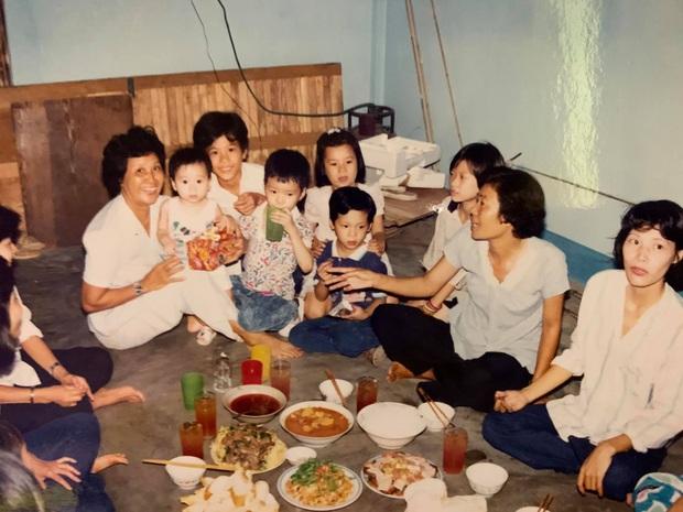 Bà nội Karik xem hết Rap Việt vì thấy cháu trai khóc tội nghiệp - Ảnh 1.