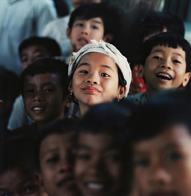 Chùm ảnh quý về thời học sinh 50 năm trước của ông cha ta: Khi chưa có công nghệ, niềm vui thật trọn vẹn - Ảnh 1.