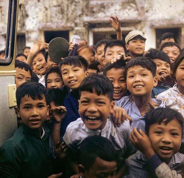 Chùm ảnh quý về thời học sinh 50 năm trước của ông cha ta: Khi chưa có công nghệ, niềm vui thật trọn vẹn - Ảnh 2.