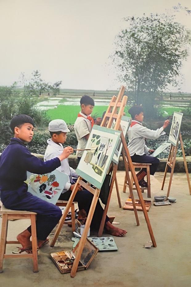 Chùm ảnh quý về thời học sinh 50 năm trước của ông cha ta: Khi chưa có công nghệ, niềm vui thật trọn vẹn - Ảnh 4.