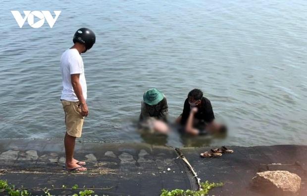 Phát hiện thi thể nam sinh lớp 10 trên sông Trường Giang - Ảnh 1.