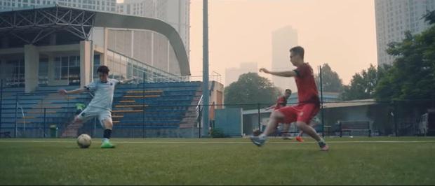 Cris Phan lần đầu chia sẻ từng theo tập bóng đá chuyên nghiệp: Biệt danh tựa Cristiano Ronaldo nhưng… lại đá giống Messi - Ảnh 2.