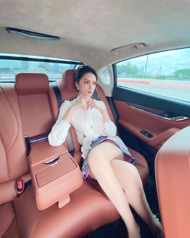 Cách ngồi khi diện váy ngắn: Bảo Thy, Hương Giang suýt hớ hênh, kỹ năng thượng thừa phải kể đến Công nương Diana - Ảnh 2.