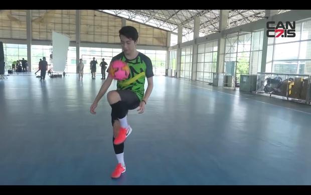 Cris Phan lần đầu chia sẻ từng theo tập bóng đá chuyên nghiệp: Biệt danh tựa Cristiano Ronaldo nhưng… lại đá giống Messi - Ảnh 4.
