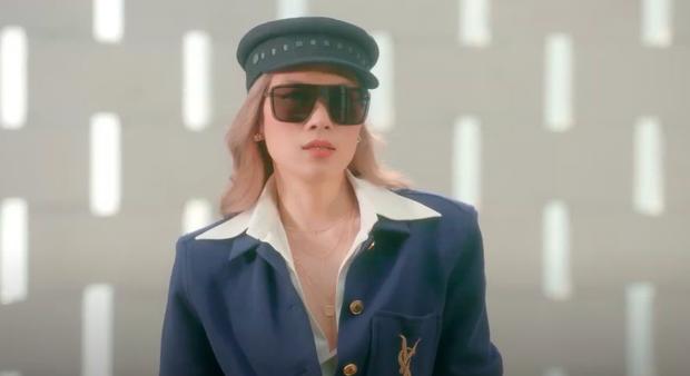 Mỹ Tâm thay đến 15 bộ trang phục làm nhớ tới Jennie trong SOLO, nhưng đẹp hay không thì phải triệu hồi cảnh sát thời trang gấp - Ảnh 10.