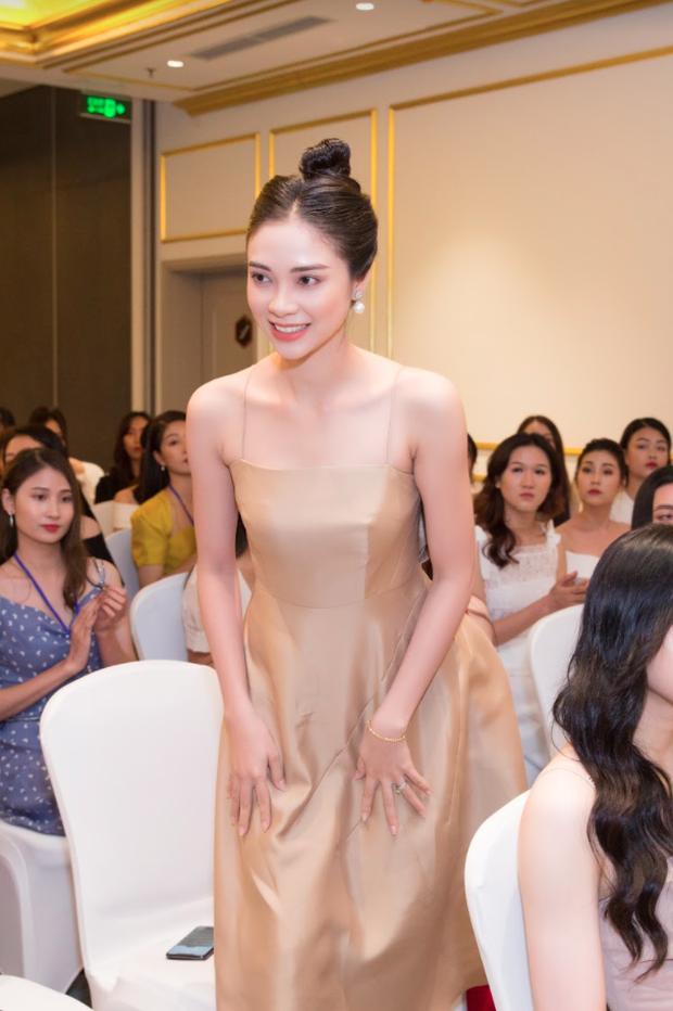 Công bố top 30 thí sinh miền Bắc bước vào bán kết Hoa hậu Việt Nam 2020, bản sao Châu Bùi và hotgirl IELTS bất ngờ bị loại? - Ảnh 10.