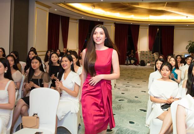 Công bố top 30 thí sinh miền Bắc bước vào bán kết Hoa hậu Việt Nam 2020, bản sao Châu Bùi và hotgirl IELTS bất ngờ bị loại? - Ảnh 11.