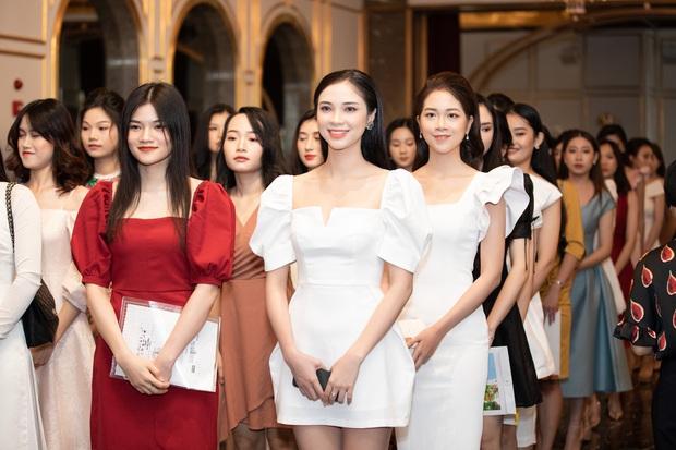Dàn thí sinh đổ bộ sơ khảo miền Bắc Hoa hậu Việt Nam 2020: Bản sao Châu Bùi nổi bần bật, thí sinh diện váy bánh bèo gây chú ý - Ảnh 24.