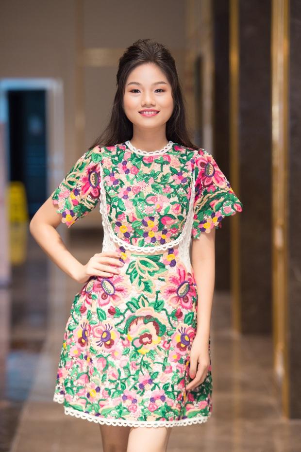 Dàn thí sinh đổ bộ sơ khảo miền Bắc Hoa hậu Việt Nam 2020: Bản sao Châu Bùi nổi bần bật, thí sinh diện váy bánh bèo gây chú ý - Ảnh 11.