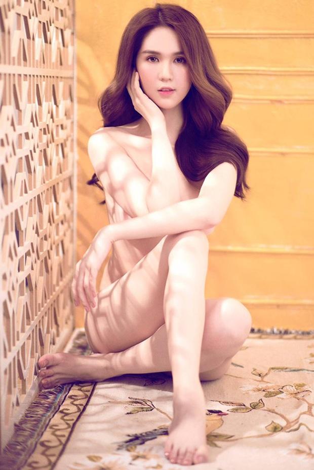 Trời mùa hè chưa nóng bằng ảnh nude 100% hừng hực của Ngọc Trinh hôm nay: Táo bạo thế này ai đọ lại chị? - Ảnh 7.