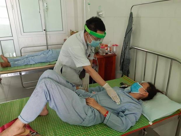 3 người ở Quảng Nam nhập viện cấp cứu sau khi ăn pate Minh Chay - Ảnh 1.