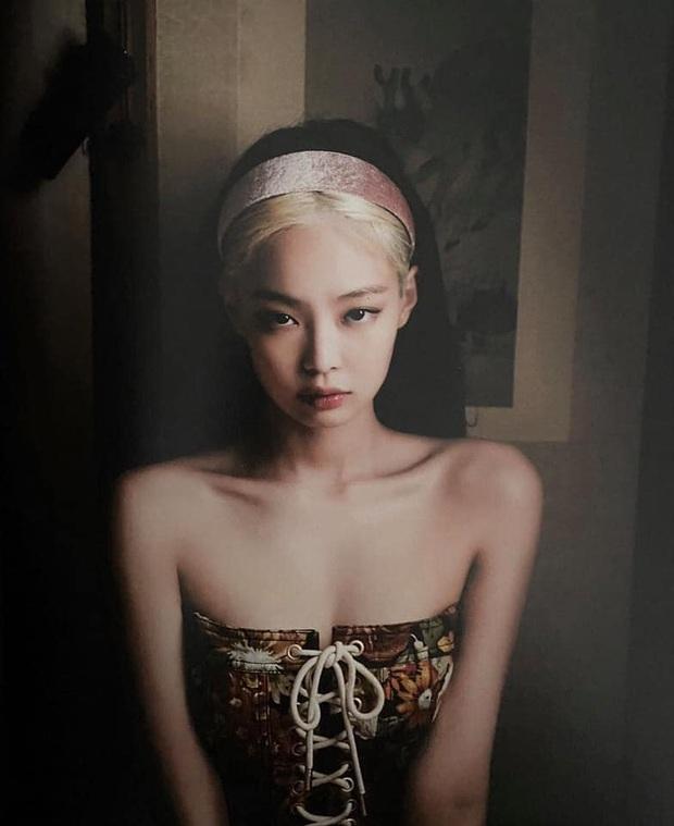 Tưởng bị tóc Dương Quá dìm, Jennie (BLACKPINK) phản đòn với bộ ảnh khiến người qua đường cũng phải... ngừng thở - Ảnh 2.