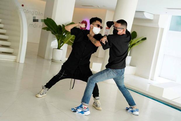 """Cuối cùng Wowy đã công khai khoảnh khắc """"choảng nhau"""" với Rhymastic ở hậu trường Rap Việt - Ảnh 2."""