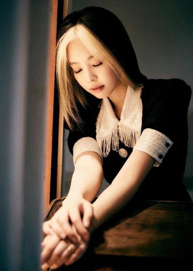Tưởng bị tóc Dương Quá dìm, Jennie (BLACKPINK) phản đòn với bộ ảnh khiến người qua đường cũng phải... ngừng thở - Ảnh 12.