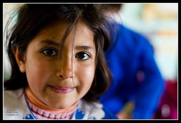 Nhiếp ảnh gia săn chụp những đôi mắt có màu lạ nhất của trẻ em, sáng tạo bộ ảnh đẹp đến độ thôi miên người nhìn - Ảnh 7.