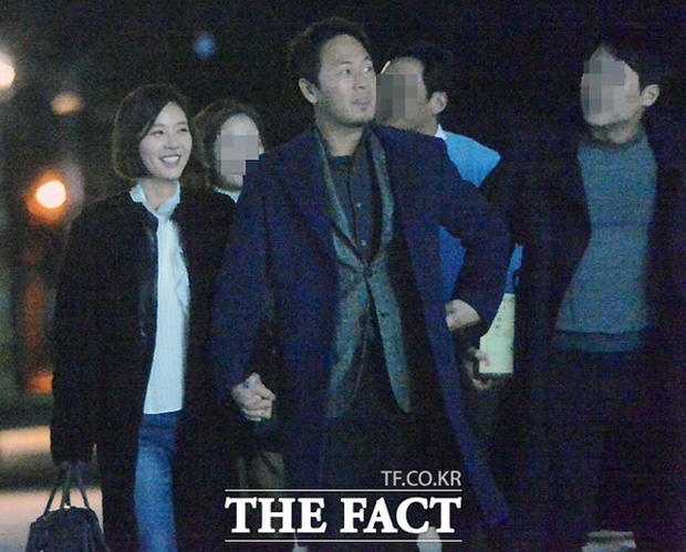 Knet đào lại loạt ảnh Hwang Jung Eum tình tứ cùng chồng 3 tháng trước: Đã cố cứu vãn hôn nhân nhưng không thể? - Ảnh 5.