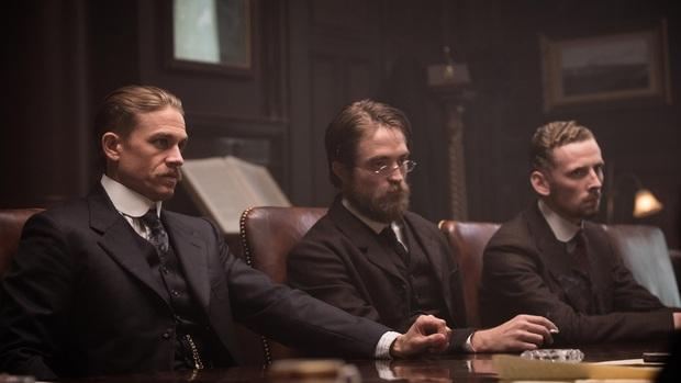 """Batman thế hệ mới Robert Pattinson: Nỗ lực phá bỏ """"lời nguyền ma cà rồng"""" để tỏa sáng - Ảnh 5."""