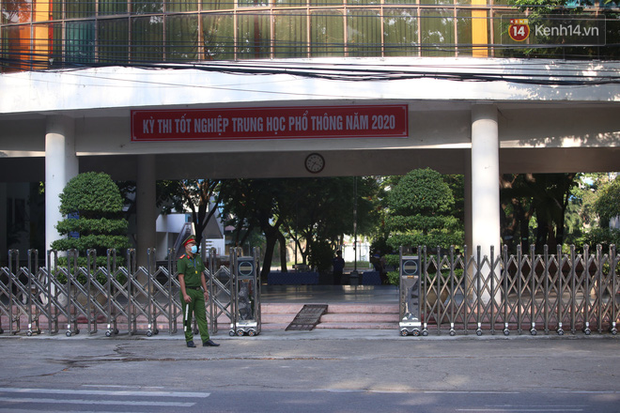 Thi tốt nghiệp THPT Quốc gia đợt 2: 26.000 sĩ tử bước vào môn Ngữ văn - Ảnh 21.