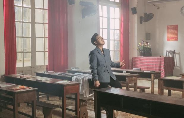 Trung Quân comeback sau 3 năm bằng MV đam mỹ, hát rất tình cảm nhưng lại nhận ý kiến trái chiều - Ảnh 9.