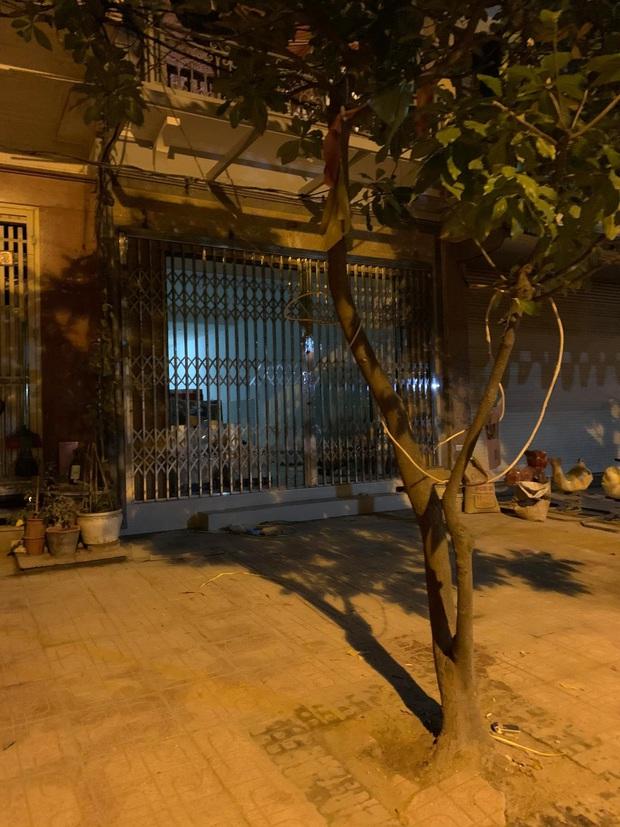 Hà Nội: Chủ thầu xây dựng bị ròng rọc thang máy thắt trúng cổ, tử vong tại chỗ - Ảnh 1.