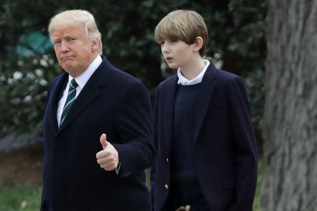 Hoàng tử Nhà Trắng Barron Trump: Xuất thân hơn người, học cực giỏi nhưng lý do ánh mắt luôn buồn bã khiến ai cũng thương cảm - Ảnh 2.