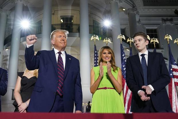 Hoàng tử Nhà Trắng Barron Trump: Xuất thân hơn người, học cực giỏi nhưng lý do ánh mắt luôn buồn bã khiến ai cũng thương cảm - Ảnh 6.