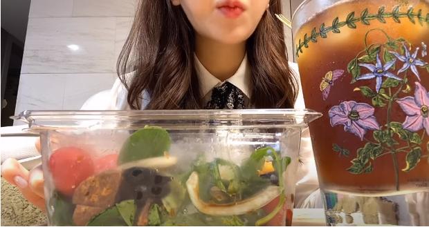 Thử ăn kiêng theo chế độ Đan Mạch, hot vlogger xứ Hàn giảm liền 2,6kg trong vòng 7 ngày - Ảnh 5.