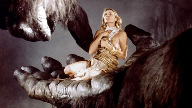 Lạnh người với những mối tình kỳ dị nhất Hollywood: Người yêu quái thú, động vật hay thậm chí cả... côn trùng? - Ảnh 14.