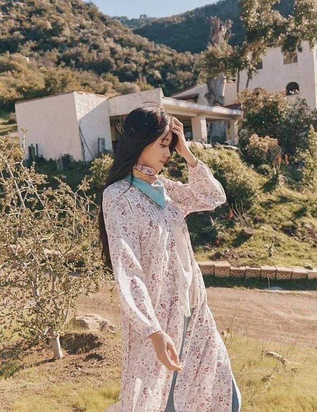 Sao Hàn diện váy liền mùa Thu: Nàng tiểu tam hot nhất xứ Hàn cũng góp vui với bộ váy hoa đẹp mê ly - Ảnh 6.