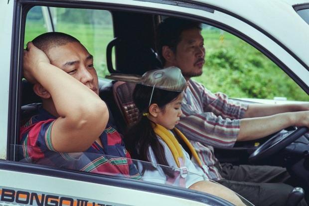 Điện ảnh Hàn tháng 10: Yoo Ah In tái xuất cực chất, phim tài liệu của BLACKPINK hứa hẹn bùng nổ - Ảnh 10.