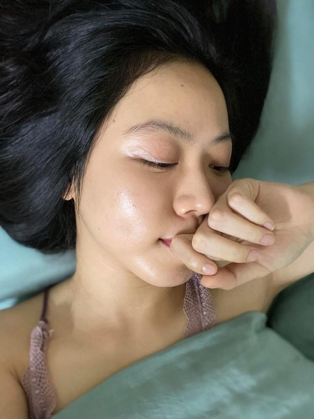 Từ da siêu nhạy cảm, nổi mụn tùm lum, cô bạn đã tìm ra bí kíp vàng trị mụn hết sạch, lỗ chân lông nhỏ xíu - Ảnh 7.