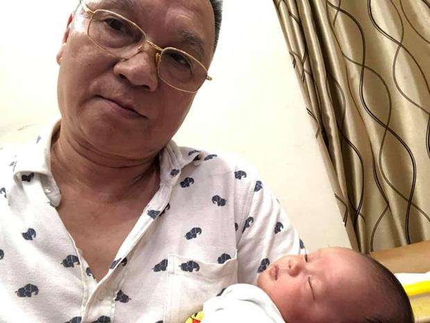Dàn sao tuyển Việt Nam thi nhau chúc mừng Duy Mạnh lên chức, bố Quỳnh Anh cũng khoe ảnh bế cháu đầy hạnh phúc - Ảnh 4.