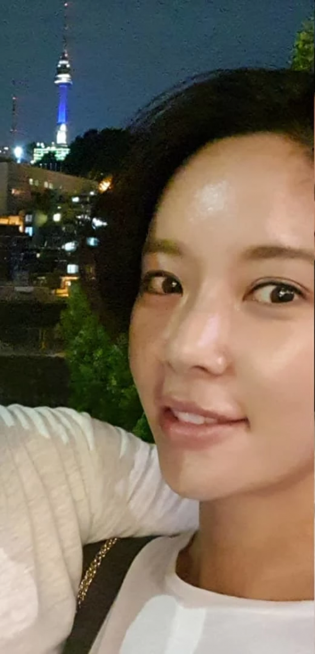 Knet đào lại loạt ảnh Hwang Jung Eum tình tứ cùng chồng 3 tháng trước: Đã cố cứu vãn hôn nhân nhưng không thể? - Ảnh 2.