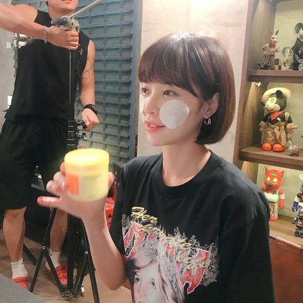 U40 như Hwang Jung Eum mà vẫn sở hữu làn da căng bóng, bí quyết nằm ở 5 thói quen cực đơn giản - Ảnh 6.