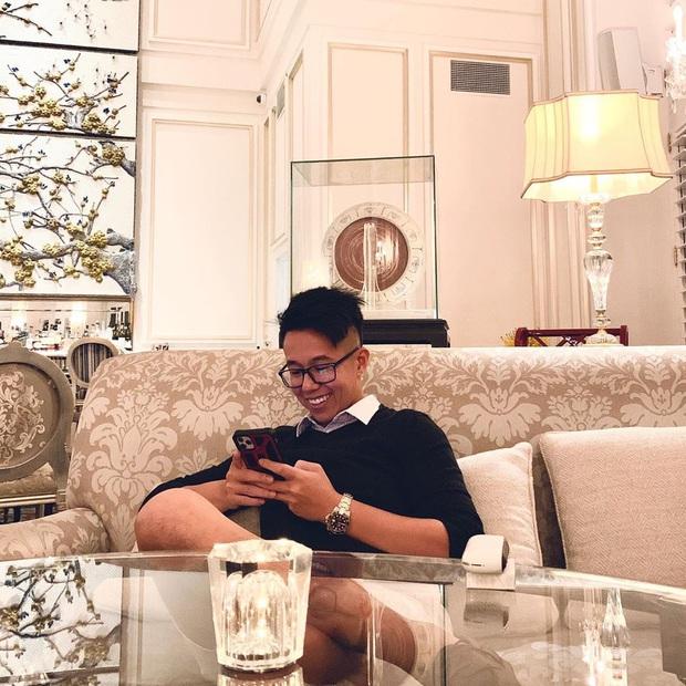 Matt Liu xuất hiện với nhan sắc khác lạ, CEO xài app mịn da với trắng răng quá tay ư? - Ảnh 2.