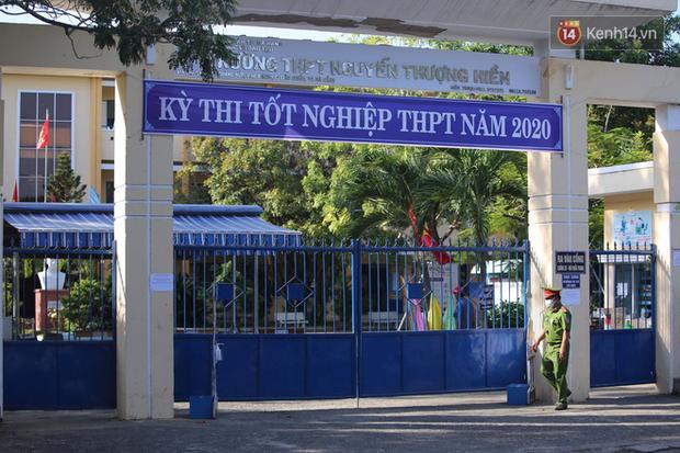 Ngày thi thứ 2 kỳ thi tốt nghiệp THPT đợt 2: Thí sinh tiếp tục thi môn tổ hợp - Ảnh 11.