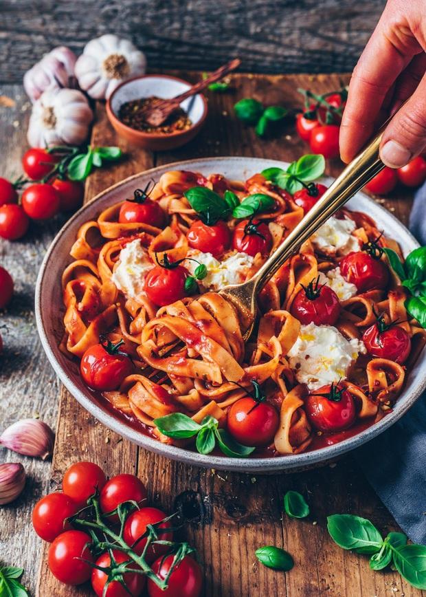 8 loại thực phẩm có tác dụng làm chậm quá trình lão hóa hiệu quả với giá rẻ bèo, ai cũng mua được - Ảnh 3.
