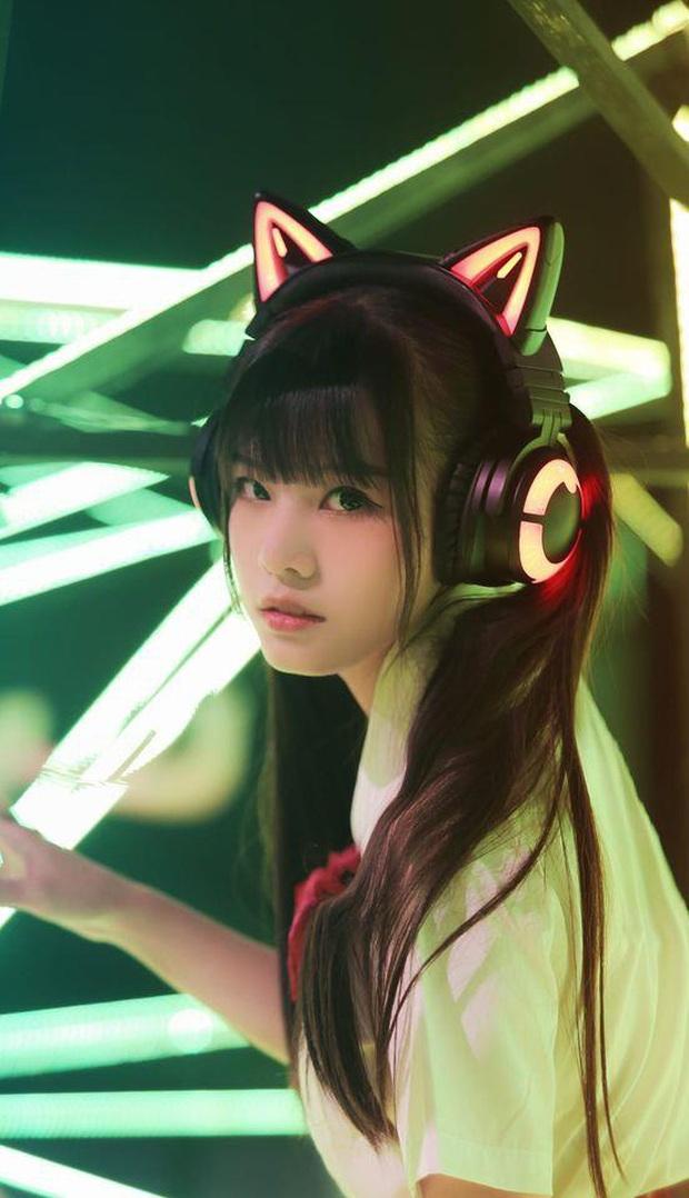 Nữ streamer đạt triệu views trên TikTok để lộ ảnh mặt mộc, người hâm mộ tức giận rời fandom - Ảnh 1.
