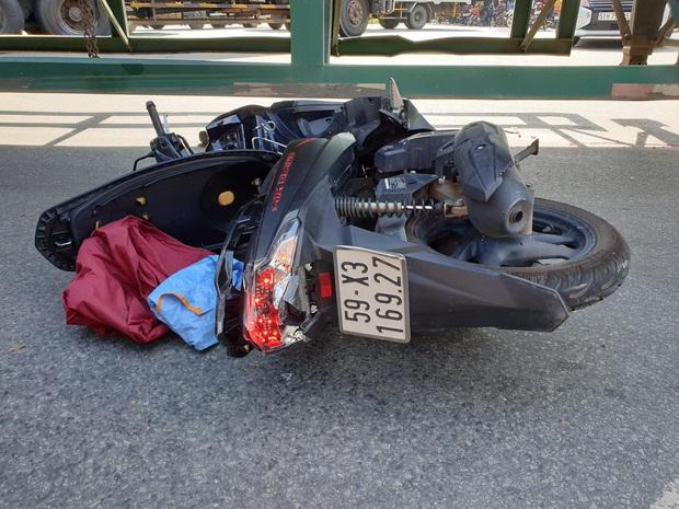 Bình Dương: 2 cô gái đi xe máy bị xe container cán tử vong thương tâm - Ảnh 3.