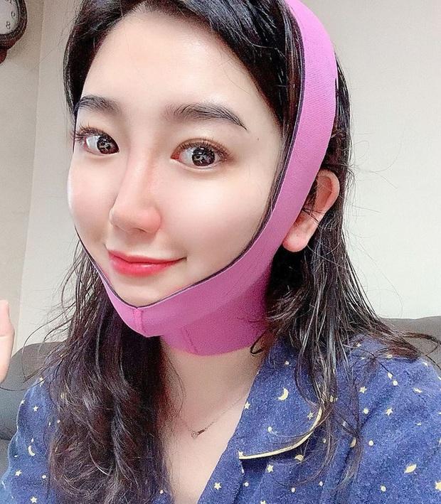 Nữ tiếp viên người Hàn bật mí bí quyết giúp cô trẻ lâu dù ngày nào cũng phải trang điểm dày phấn - Ảnh 3.