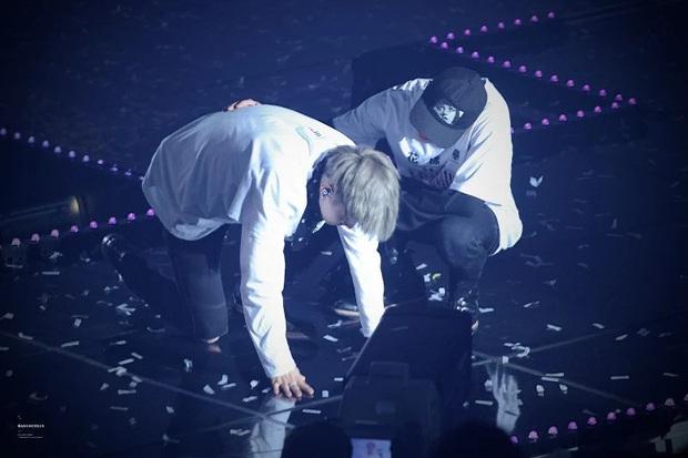 5 khoảnh khắc fan khóc ròng vì BTS: Suga quỳ gối ở concert không sốc bằng Jin tiết lộ nhóm suýt tan rã ngay khi nhận Daesang - Ảnh 5.