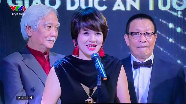 Diễm Quỳnh đọ sắc cùng đàn em tại VTV, xem ảnh không ai tin MC đã 48 tuổi  - Ảnh 2.