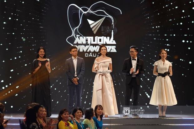 Nghi vấn MC Mai Ngọc âm thầm về nhà 40 phút trước khi VTV Awards kết thúc, mở tiệc ăn mừng với hội bạn - Ảnh 2.