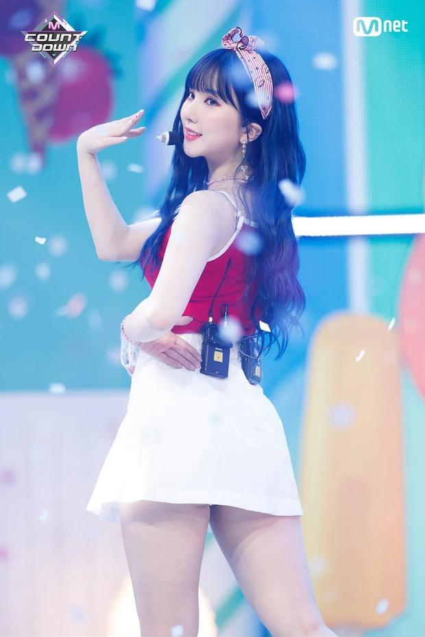 6 idol xinh đẹp lệch chuẩn nhưng còn tạo thành trào lưu mới: Jennie da ngăm vẫn hot, Hwasa thành biểu tượng sexy - Ảnh 11.