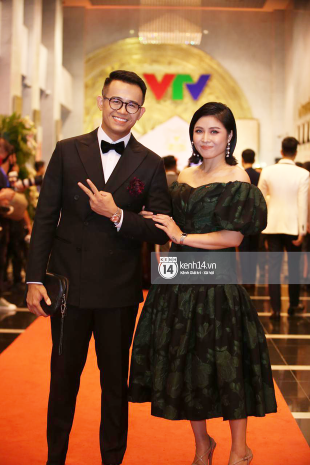 Thảm đỏ VTV Awards 2020: Quỳnh Búp Bê và Hoàng Thuỳ Linh đọ body cực gắt, dàn Táo Quân gây bão khi đồng loạt đổ bộ - Ảnh 20.