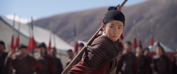 Netizen hùa nhau chế ảnh diễn xuất của Lưu Diệc Phi ở Mulan: Bất biến toàn tập, tỷ chết tâm rồi mấy em ơi! - Ảnh 1.