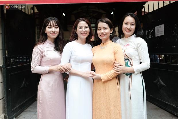 Lại có dịp để ngắm gái xinh trường Trần Phú, đeo khẩu trang vẫn ngời ngời khí chất - mở ra một chút là rụng tim luôn! - Ảnh 13.